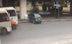 Видеофакт: от водителя в Ростове сбежала его машина