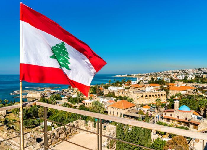 Что забыл Макрон, диктуя ультиматум Ливану