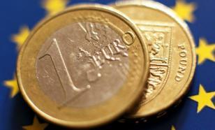 Курс евро поднялся выше 93 рублей впервые с января 2016 года