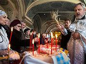 Социологи: В России укрепляются позиции церкви, но страна остается светской