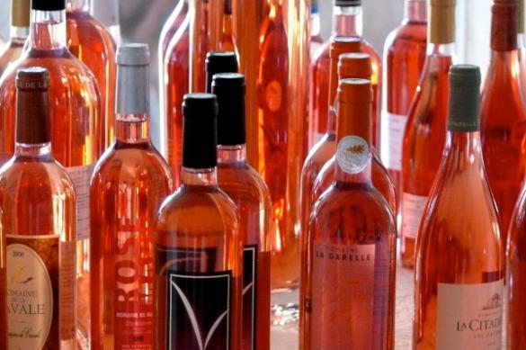 Эксперты Роскачества дали рекомендации по выбору розового вина