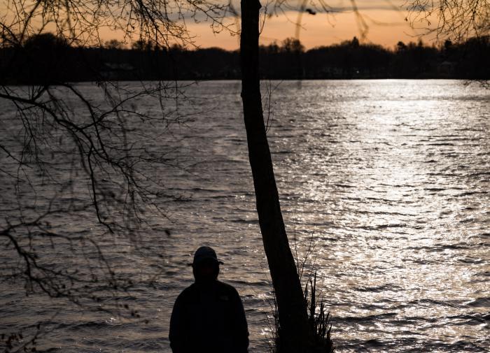 Пропавшую в Карелии женщину нашли в тумбочке на дне озера