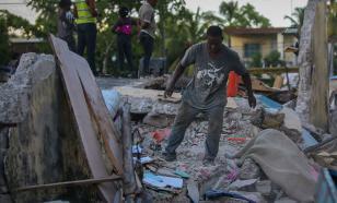 """Более тысячи погибших: землетрясение """"перевернуло"""" Гаити"""