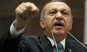 Эрдоган обвинил Хафтара в дестабилизации ситуации в Ливии