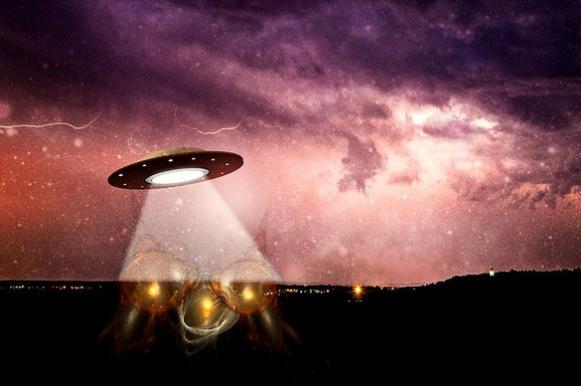 В небе над Сербией зафиксировали массовое явление НЛО