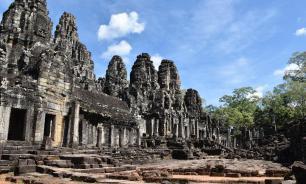 Обрушение здания в Камбодже унесло жизни 36 человек, еще 23 пострадали