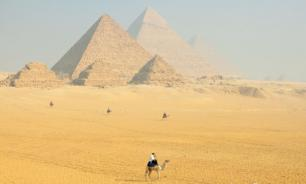 С пирамиды в Гизе упал египтянин. Он скончался