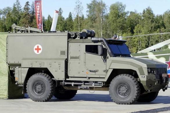 """Бронированные """"Линзы"""" передали военным медикам в Чечне"""