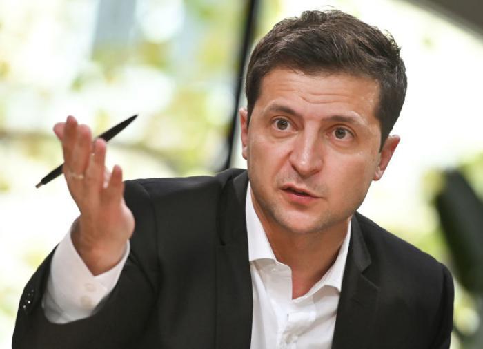 """Зеленский анонсировал """"переезд"""" украинских судов"""