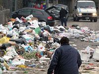 """Президент Италии призвал срочно заняться """"мусорным кризисом"""" в Неаполе."""