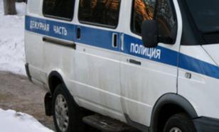 Водитель Жуликов прокатил на капоте полицейского, распив бутылку водки за рулем