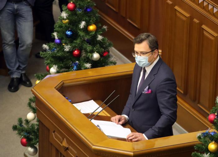 Кулеба объяснил, зачем на Украину приезжает глава МИД Венгрии