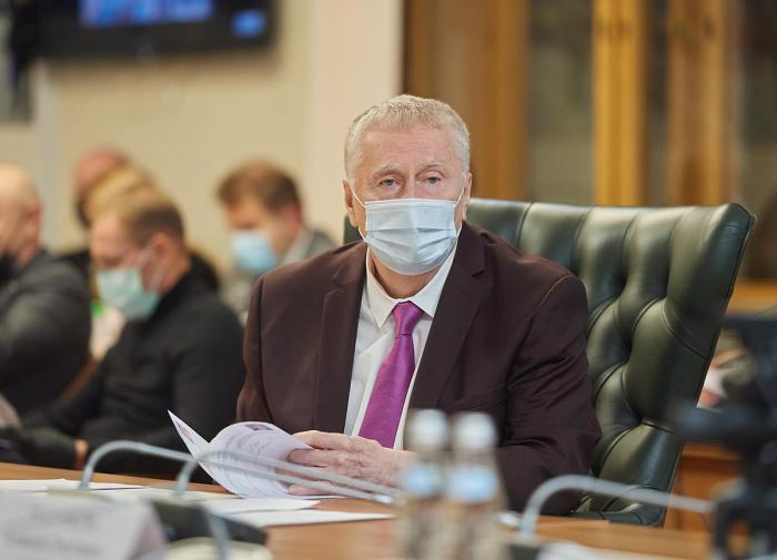 Жириновский: 11 депутатов Госдумы нового созыва попали в больницу из-за COVID-19