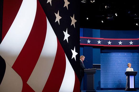 """Опрос: Граждан США раздражает """"грязь"""" предвыборной кампании"""