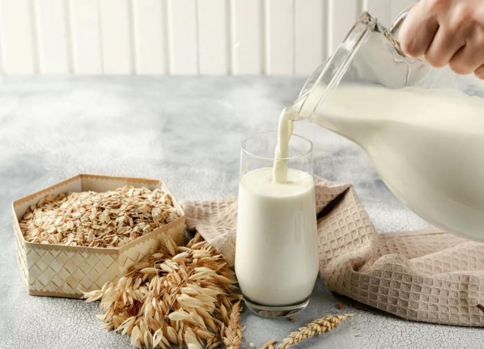 Рецепты напитков и компресса из овса для профилактики простуд