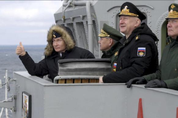 Украина возмущена: Путин опять без разрешения был в Крыму