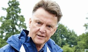 Легендарный голландский тренер Луи ван Гал завершил карьеру из-за жены