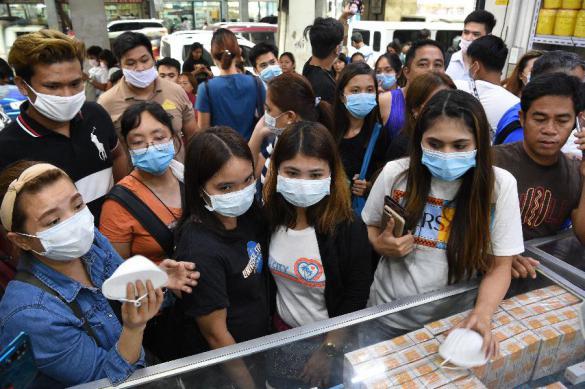 Пятерых китайцев, раздававших на улице маски, задержали во Франции