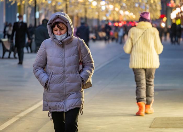 В Москве продлили коронавирусные ограничения