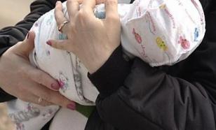 Эксперт призвала не разлучать младенца с матерью, больной коронавирусом