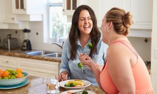 """""""Не сладости, а лишний вес"""": эндокринолог о причине сахарного диабета"""
