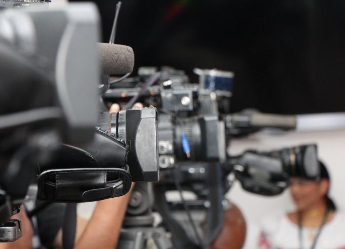 Украинские СМИ устроили митинг и обратили внимание ЕС на цензуру в стране