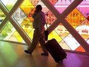 Дума предлагает сделать внутренние авиарейсы дешевле международных