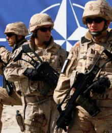 НАТО наращивает военную активность на границах запада и юга России