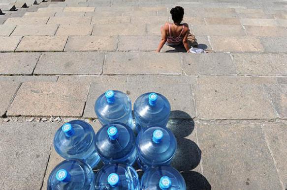 """Производителей воды в бутылках могут обязать делать """"честные этикетки"""""""