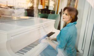 Два гнездышка Анны Банщиковой: столичная квартира и райский подмосковный уголок