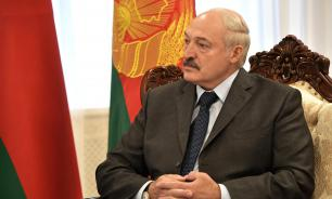 Лукашенко: Белоруссия не будет отменять военный парад 9 мая