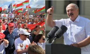 "Лукашенко – собравшимся на площади: ""Я стою перед вами на коленях"""