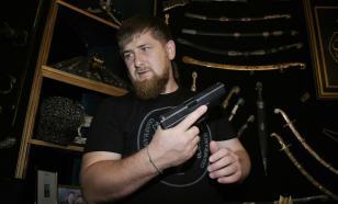 Песков оценил фотографии Кадырова с оружием