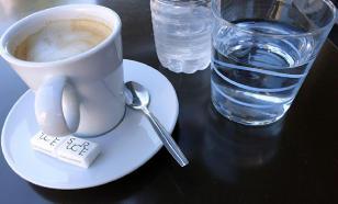 Диетолог объяснила вред холодного кофе