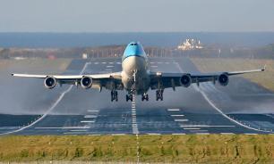 Boeing 737 вернулся в Москву после взлета из-за пожара