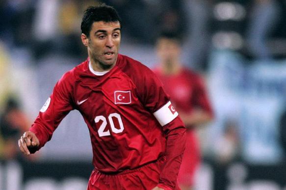 Турецкий футболист Шукюр обвинил Эрдогана в своей бедности