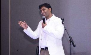 Индийский комик умер во время выступления в Дубае