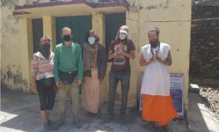Группа туристов в Индии стала вынужденными отшельниками