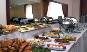 Турецкие отели выставляют некоторые продукты на шведский стол повторно