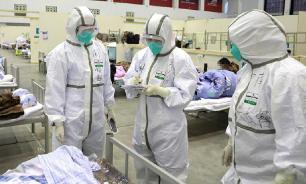 Китайские власти направили в Хубэй 25 тысяч медиков