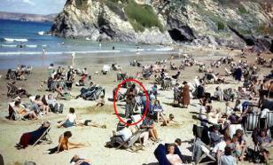 На снимке 1943 года замечен человек со смартфоном
