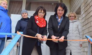 В селе Коми чиновники торжественно открыли новые окна в детском саду