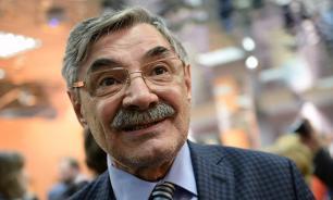 Панкратова-Черного обвинили в неадекватности и сняли с авиарейса