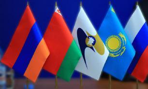 Узбекистан не вступает в ЕАЭС. А денег нет...