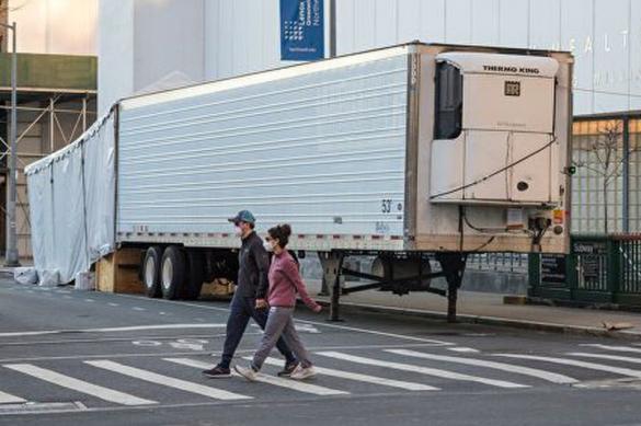 Нью-Йорк: похоронное агентство хранит тела погибших в грузовиках