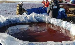 Около ста литров нефтепродуктов попало в Байкал