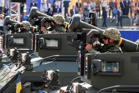 Трамп решил пересмотреть сумму военной помощи Украине