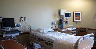 В Тюмени безработного пенсионера выгнали из больницы только при помощи полиции, и тот умер в участке