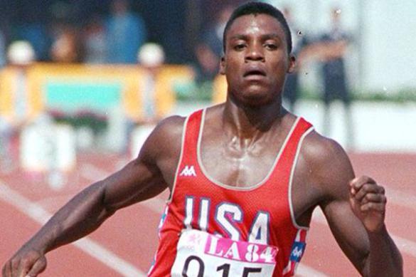 Олимпийский чемпион Льюис обвинил Трампа в расизме