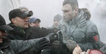 Михаил Чечетов: Армия и силовики несомненно поддерживают президента